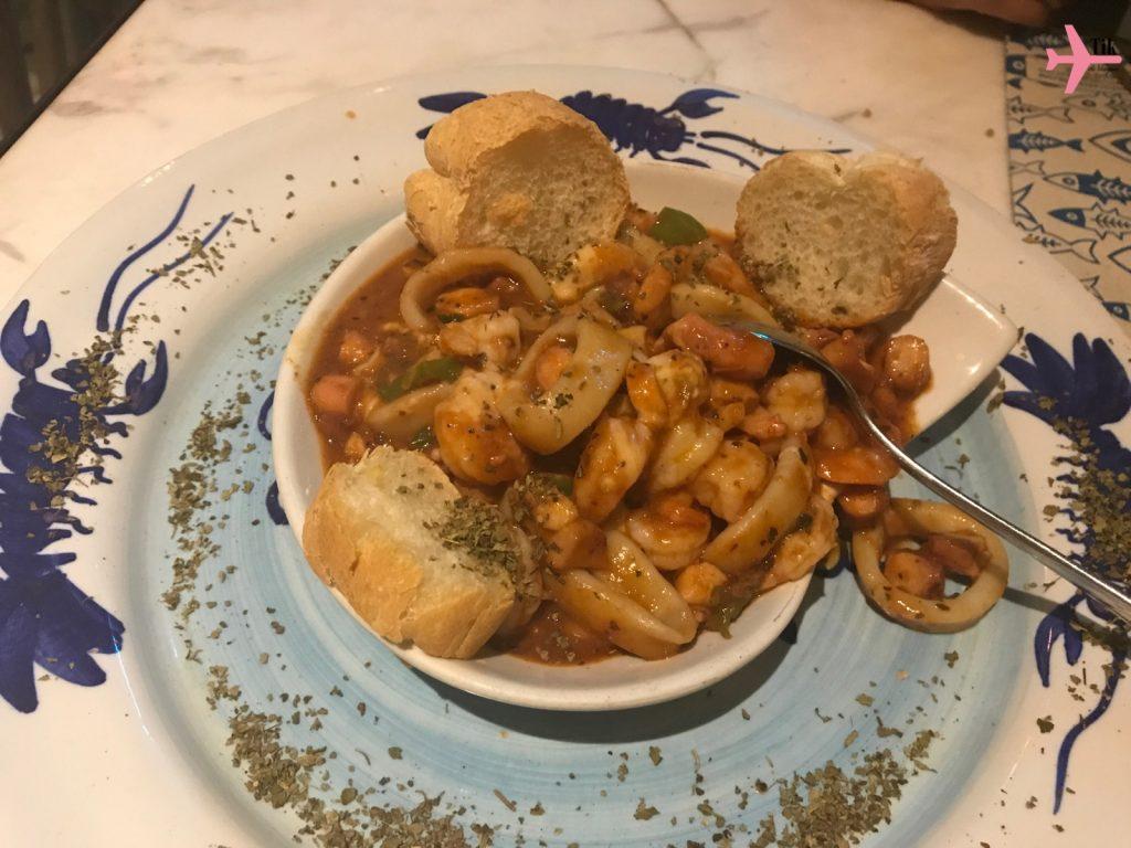 ensopado de frutos do mar com queijo - gastronomia de Cartagena