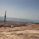 Fortaleza de Massada e Mar Morto ao fundo